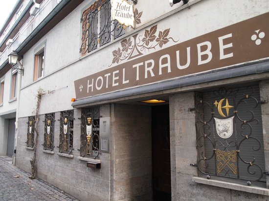 Hoteltraube Ruedesheim: sidedoor