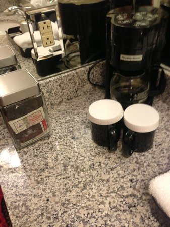 O.Henry Hotel : coffee machine- havent used in yet but cant wait