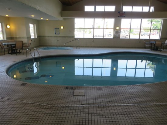 Rodeway Inn: Swimming pool