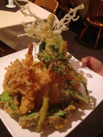 Woojung Byob Restaurant & Sushi Bar : wow.... what a tempura....
