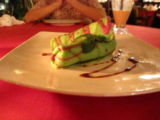 La Rouge Restaurant & Bar: This is a dessert