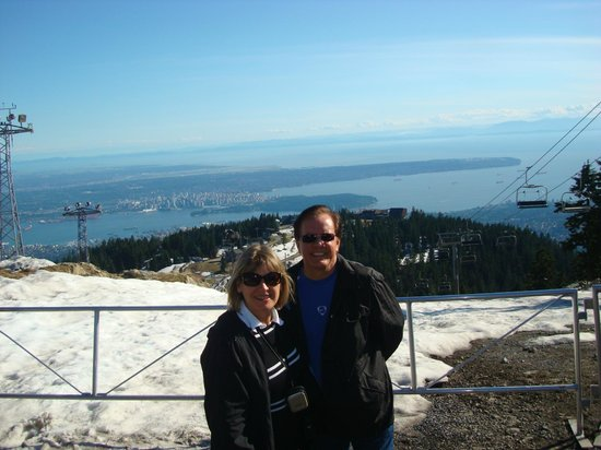 Holiday Inn Hotel & Suites North Vancouver: Vancouver vista da Grouse Mountain