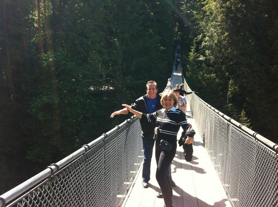 Holiday Inn Hotel & Suites North Vancouver: Bridge Capilano Park