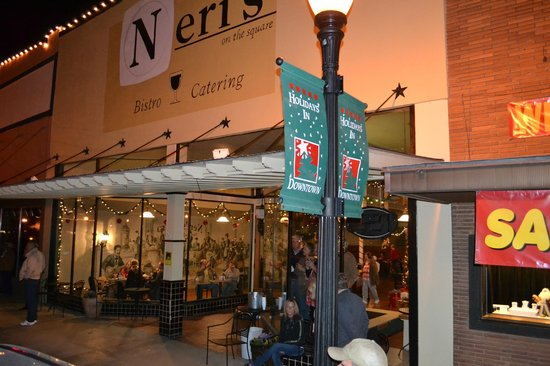 Neri's on the Square: Front