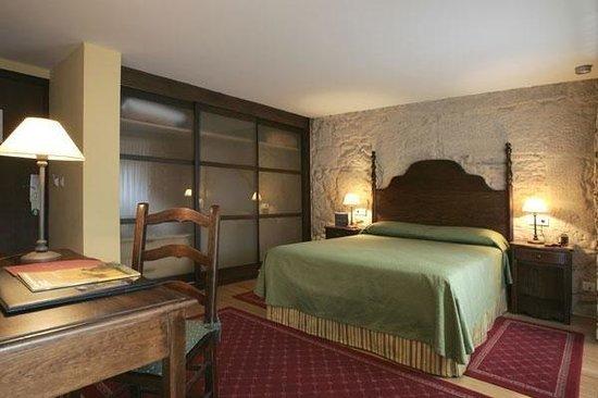 Hotel Monumento Pazo de Lestrove: Room