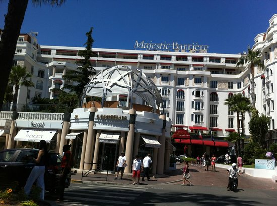 Petit Train de Cannes: Hotel
