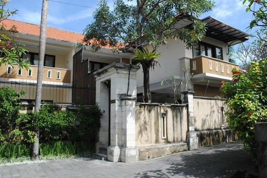 Surya Mas Villa: The 3 Bedroom Pool Villa