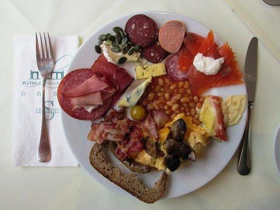 Hotel Lahnschleife: Lahnschleife's excellent breakfast buffet