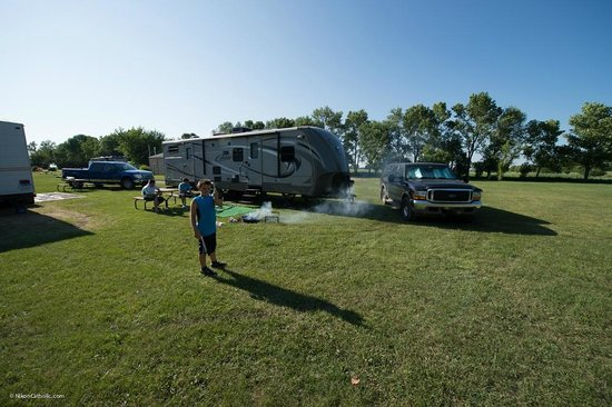 Pipestone RV Campground: Simple, Wide-Open RV Sites