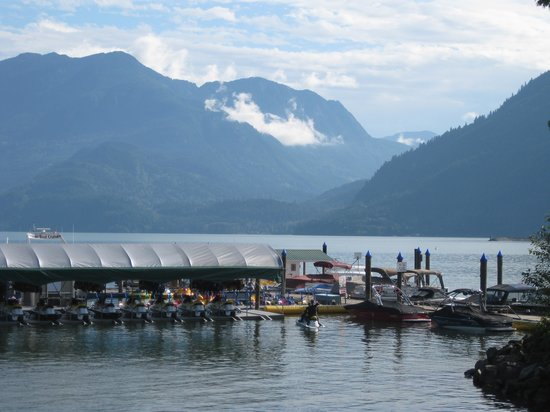 Harrison Eco Tours: Harrison Lake from the beach