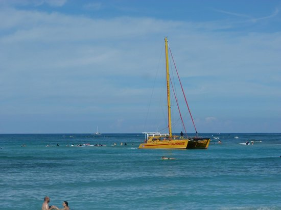 Kuhio Beach: One the Catamaran Boats coming back from a tour