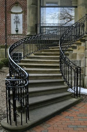 Cantigny Park: McCormick mansion stairs