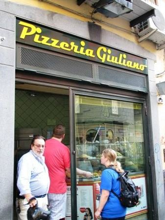 Pizzeria Giuliano : Outside the restaurant.