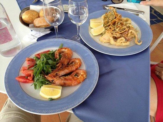 Art Hotel Gran Paradiso: Lunch - grilled prawns and calamari/veggies tempura