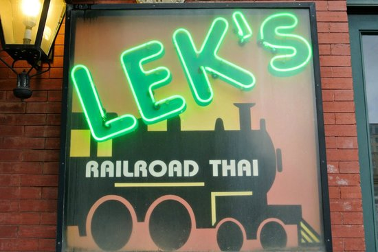 Lek's Railroad Thai: Make sure you visit the Union Station location, call first for hours!