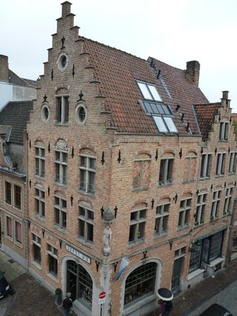 Oud Huis de Peellaert: typical architecture for the area from your hotel window