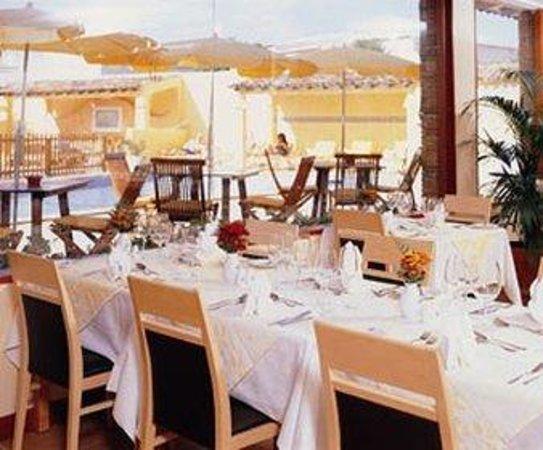 Costa D'oiro Ambiance Village: Restaurant