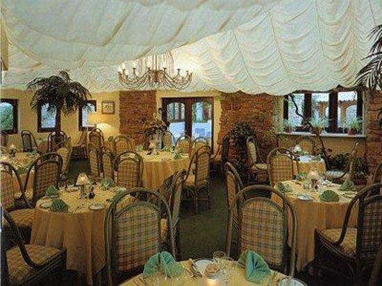Palm Bay at the Ocean Club: Restaurant