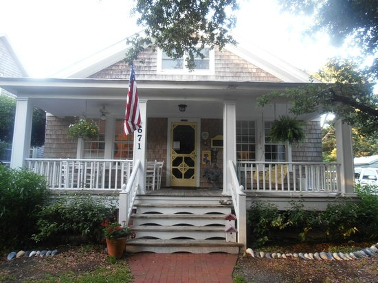 Thurston House Inn Bed & Breakfast: The annex is next door and is new and comfortable!