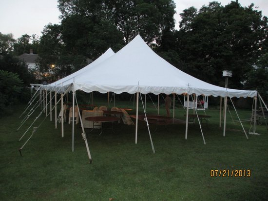 Colby Hill Inn: Tent from wedding the day before