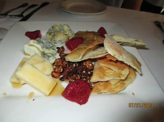 Colby Hill Inn: Cheese Plate