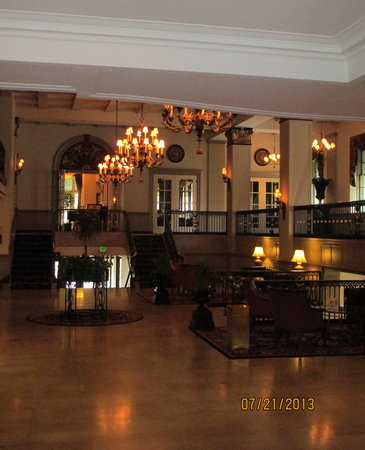 The Abraham Lincoln: The Lobby