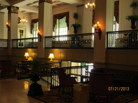 Abraham Lincoln Hotel : The Lobby