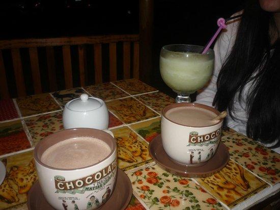 Caramelo: jugo y chocolatadas