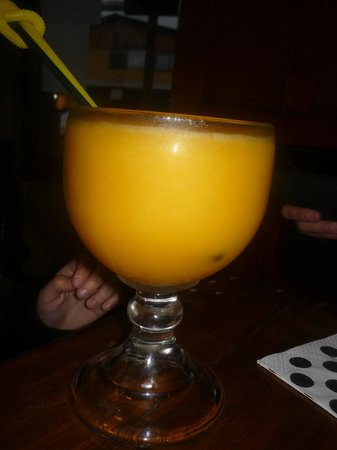 Caramelo : jugo de mango