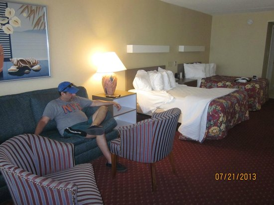 Castle in the Sand Hotel: Our room 5001