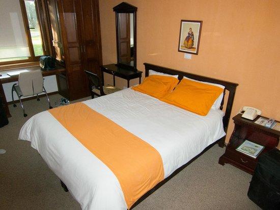Garden Hotel San Jose : Our room
