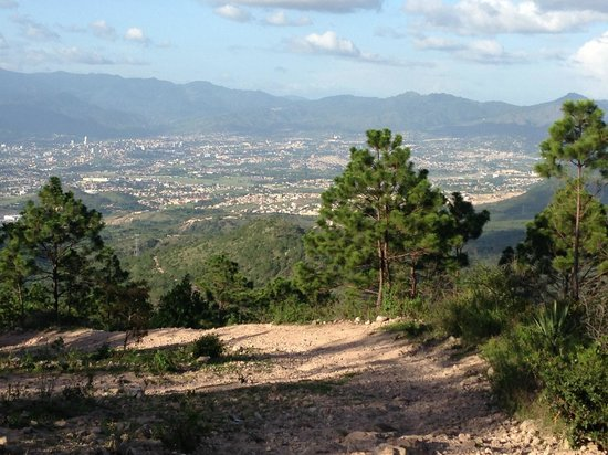 Cabra Rides: Tegucigalpa from a distance