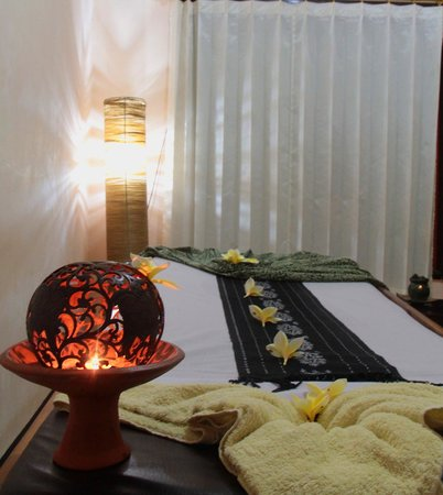 Mataram, Indonesië: BED MASSAGE 2