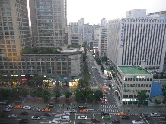Best Western Premier Seoul Garden Hotel : The view from my window.