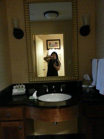 Homewood Suites Rockville - Gaithersburg: Bathroom Vanity