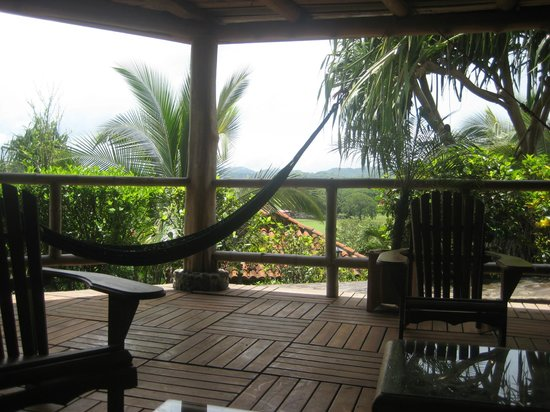 El Sabanero Eco Lodge: Great place to relax with a book or a beer