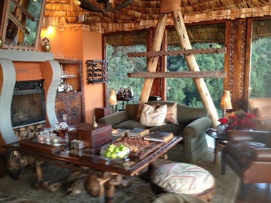andBeyond Ngorongoro Crater Lodge: Restaurant at tree camp