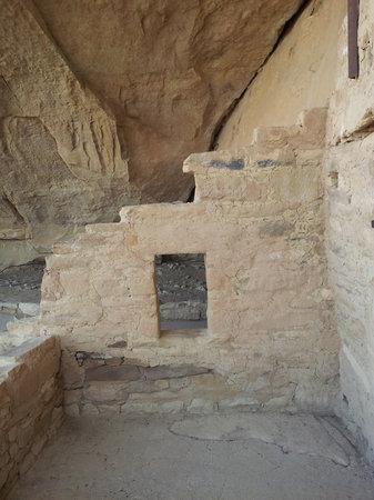 Balcony House : Close views of house walls
