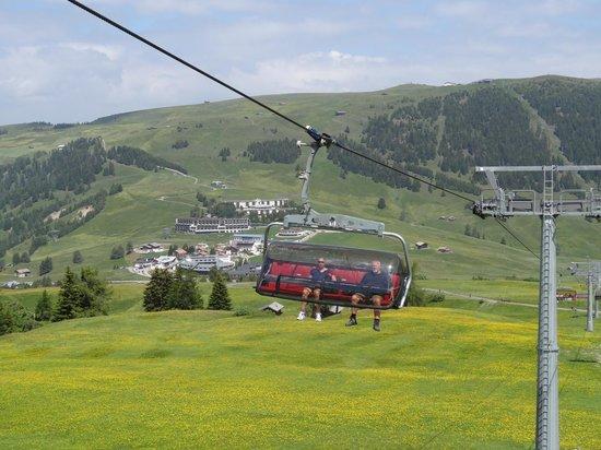 Cabinovia Siusi: Panorama chairlift and surrounding view