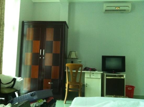 New Time Hotel : j'ai aimé le mobilier je l'aurais bien ramené en France !!! lol