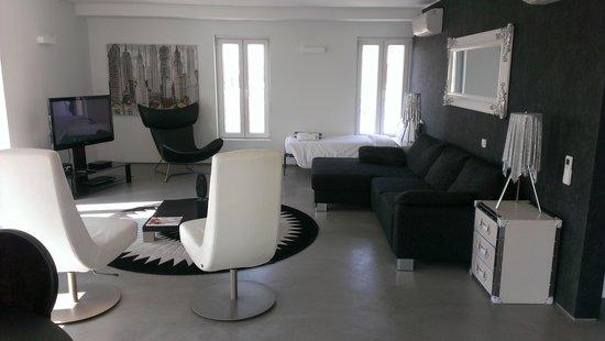 Pateo Lisbon Lounge Suites : Lounge Room