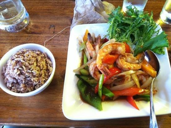 Basil Canteen: Shrimps, rice, mango and vegteables