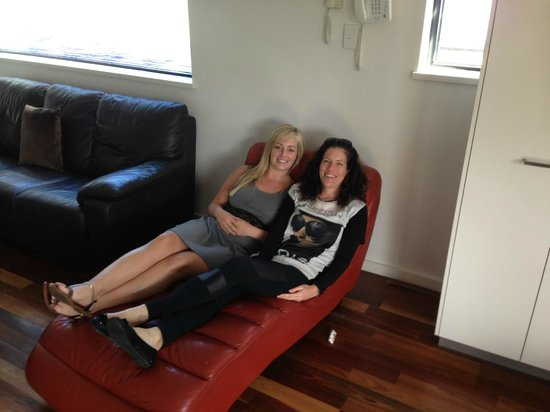 Bella Casa Noosa: Relaxing on the chaise