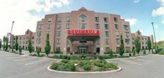 The Peninsula Inn & Resort
