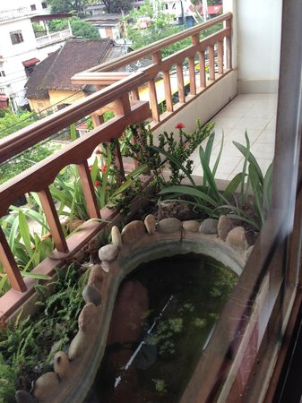 Family Boutique Hotel: the balcony overlooking the main road