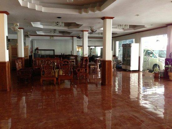 Seng Lao Hotel: lobby