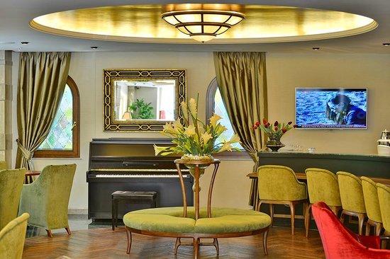 Mona Hotel: Lounge
