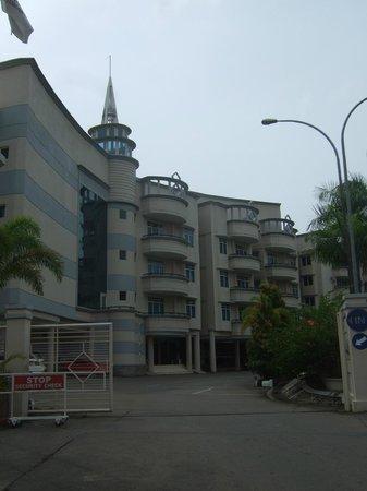Swiss-Belinn Batam: Exterior of Swiss Belinn Hotel