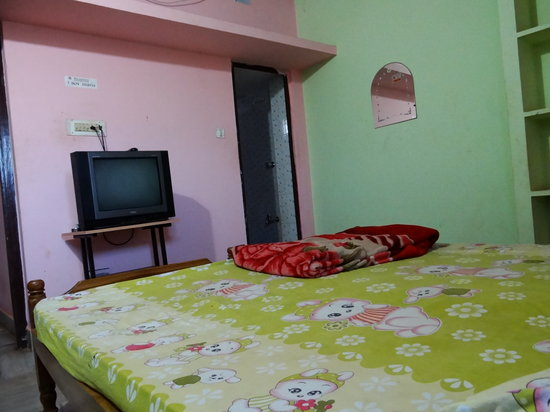 Patra Guest House: Standard Double Room