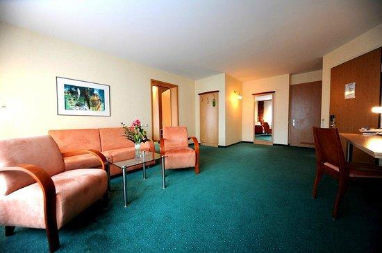 Hotel Ascot-Bristol : Wohnzimmer Suite